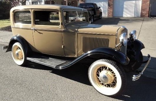 1932 ford model b two door sedan for 1932 ford 2 door coupe