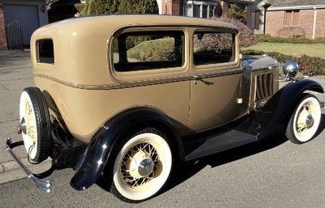 1932 ford model b two door sedan for 1932 ford four door