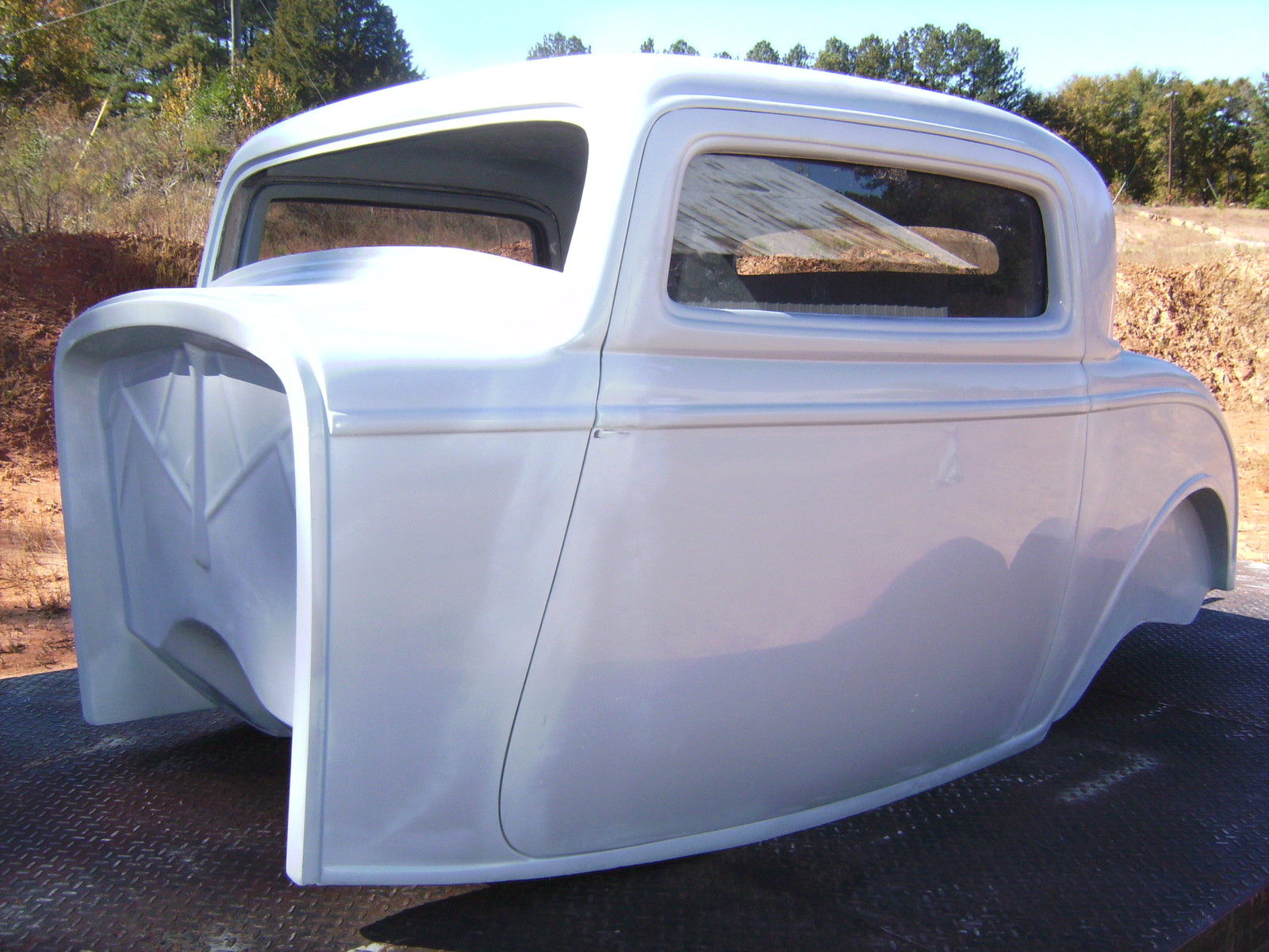 1932 ford three window coupe fiberglass new body with new interior for sale in pendergrass. Black Bedroom Furniture Sets. Home Design Ideas