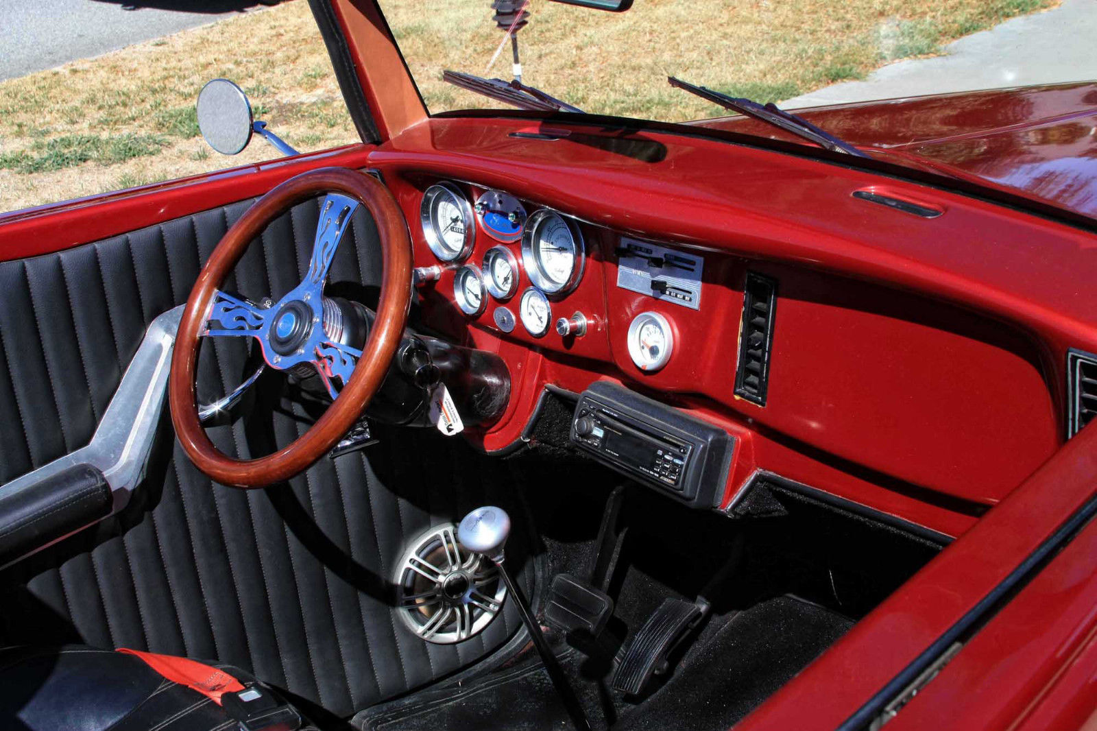response to the red convertible The red convertible the story the red convertible written by louise erdrich, is about the lives of two chippewa brothers who live on an indian reservation and their red convertible.
