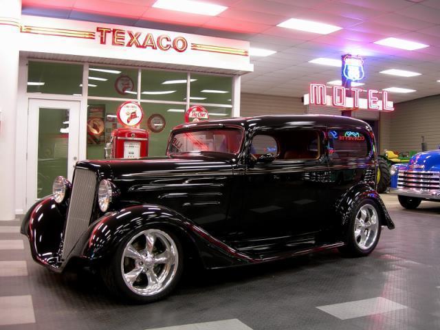 1935 chevrolet deluxe 2 door for 1935 chevy 2 door sedan