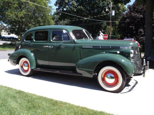 1937 pontiac silver streak 4 door touring sedan for 1930 pontiac 4 door sedan