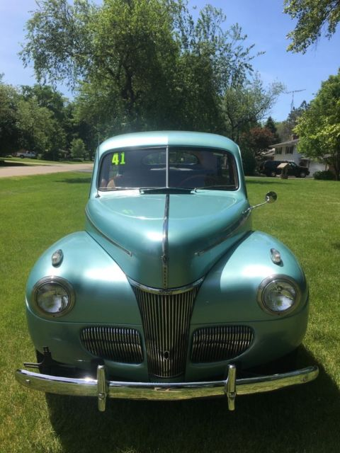 1941 ford 2 door sedan deluxe for 1941 ford 4 door