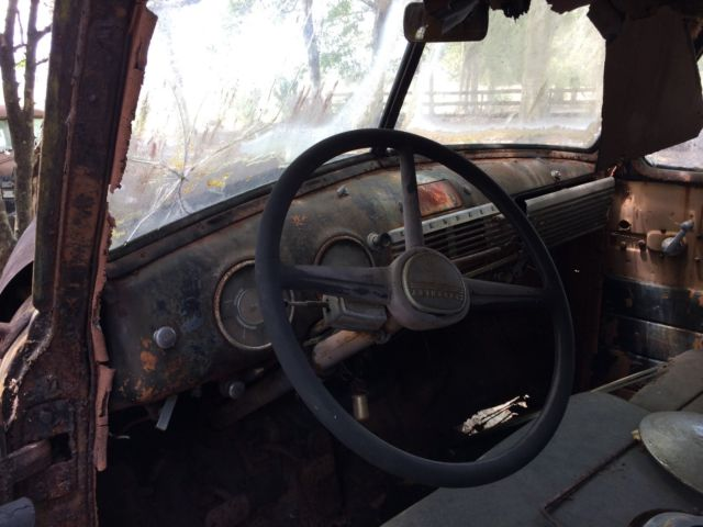 1949 chevy suburban great patina clamshell doors for Clamshell door