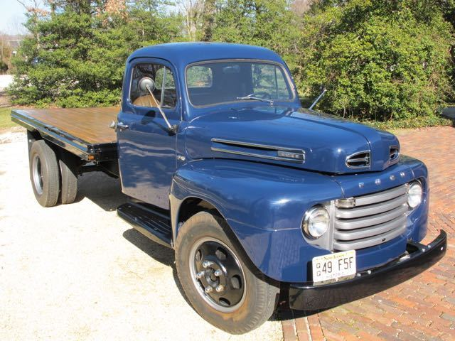 1949 Ford F5 Long-Bed Dually