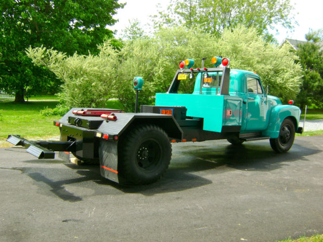 1953 Chevrolet 6500 Tow Truck Wheel Lift Wrecker For