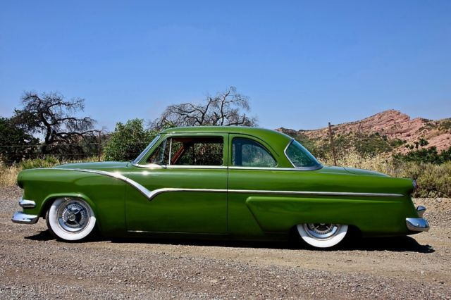 1954 Ford Customline Shoebox Kustom Bagged