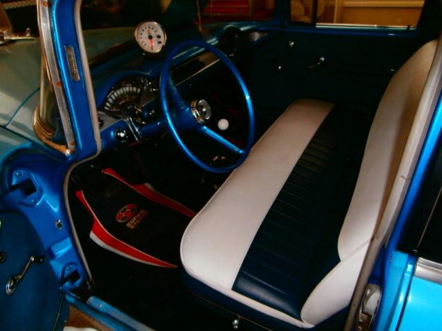 1955 Chevy Chevrolet Belair 4 Door, New SBC 400, Muncie 4