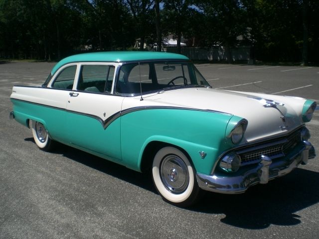1955 Ford Fairlane 2 Door Club Sedan