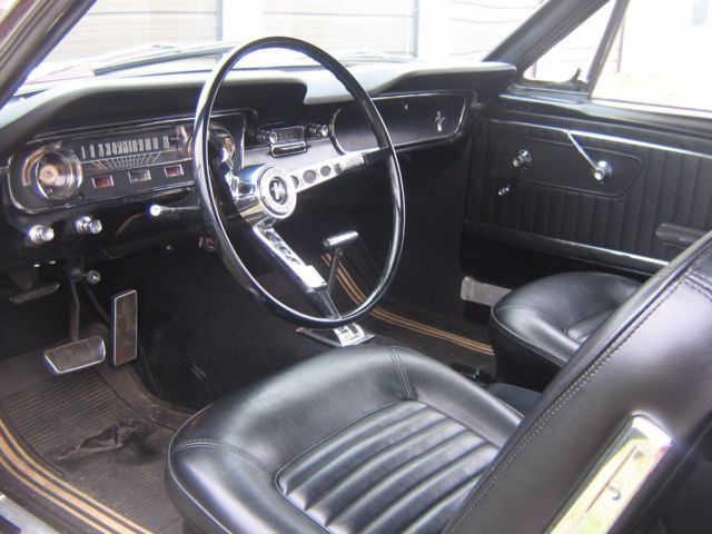 1965 ford mustang coupe vintage burgandy black vinyl top black interior. Black Bedroom Furniture Sets. Home Design Ideas