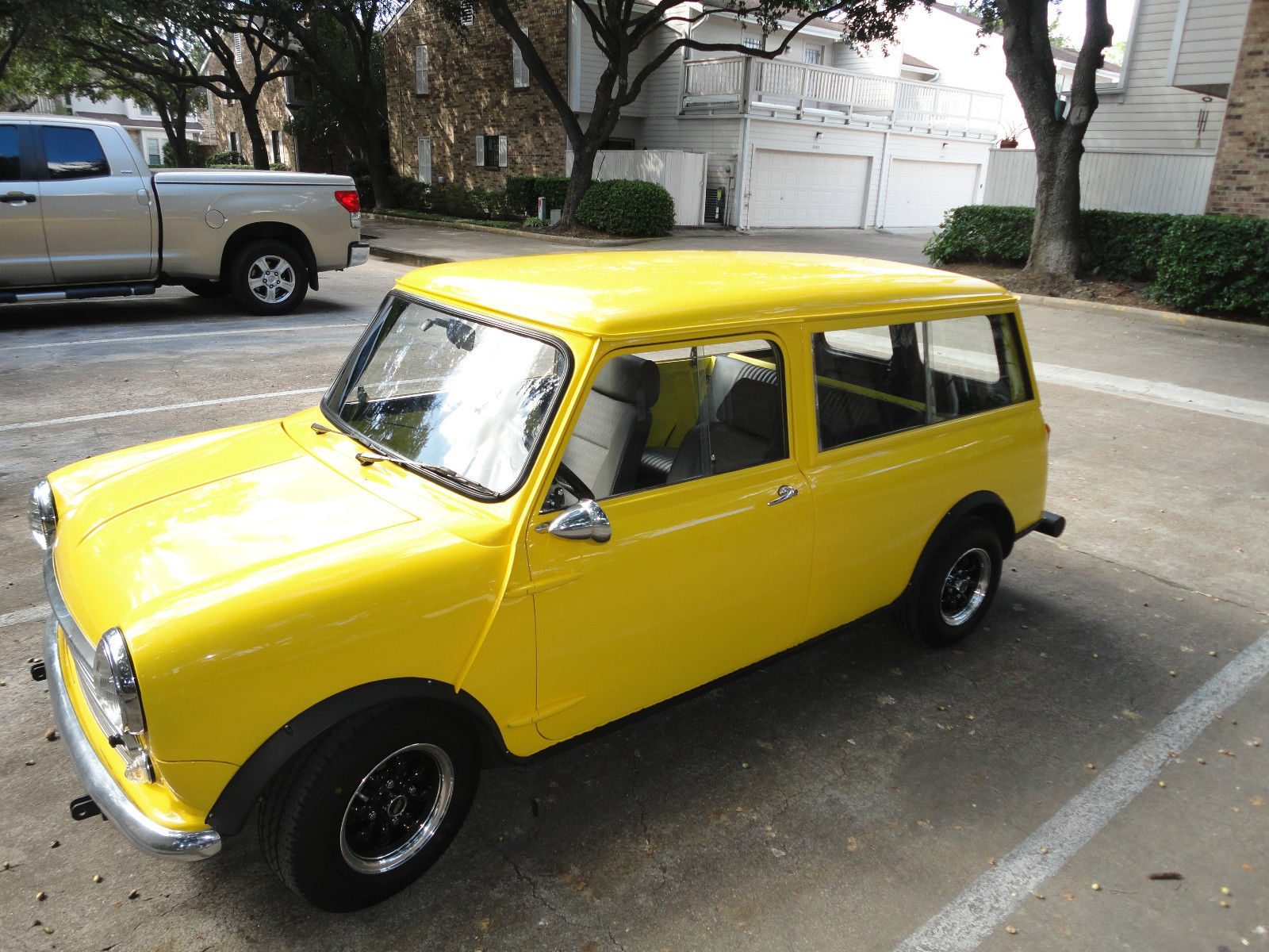 1966 austin mini countryman wagon for sale in houston. Black Bedroom Furniture Sets. Home Design Ideas