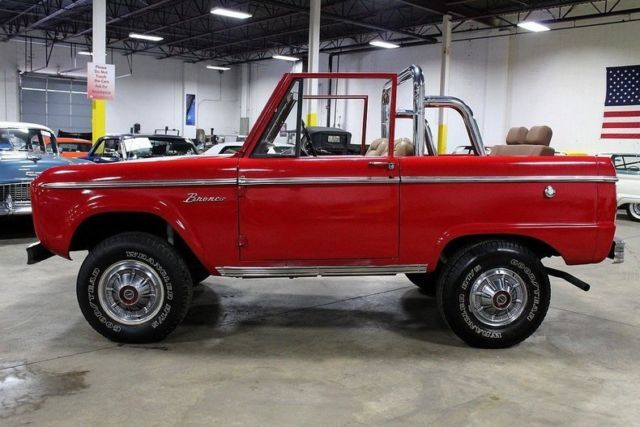 Ford Bronco Miles Red Convertible Cylinder Speed Manual