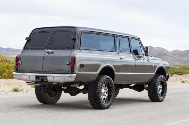 1967 custom chevy suburban 3 door for 10 door suburban