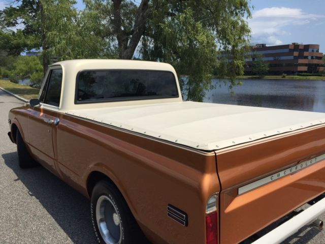 1968 Chevy C10 short bed. Custom two tone paint, show ...