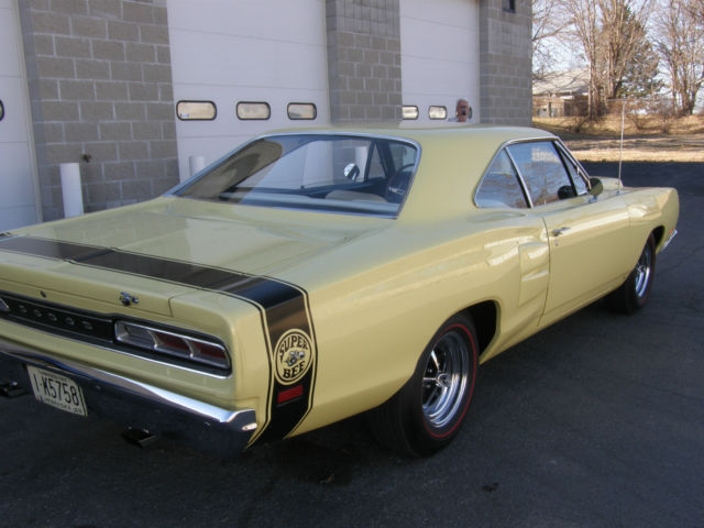 1969 dodge super bee 39 s match 4 speed superb gorgeous. Black Bedroom Furniture Sets. Home Design Ideas