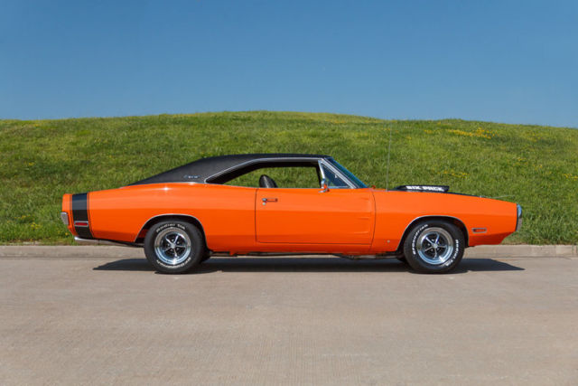 1970 Dodge Charger 440 6 Pack 4 Speed Correct Go Mango