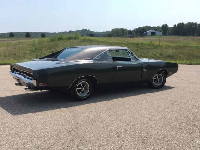 1970 Dodge Charger RT 440 4 speed Dana, ALL #'s match Clean