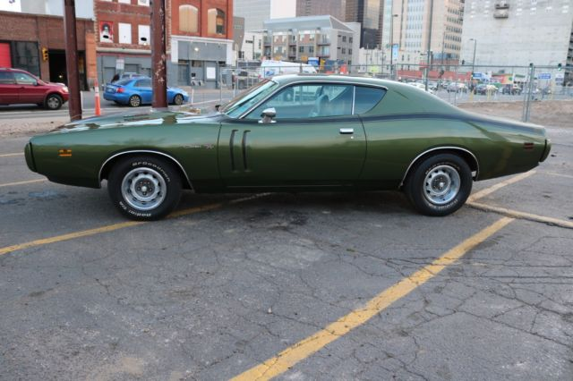 1970 dodge charger rt amazing real survivor with its original interior paint. Black Bedroom Furniture Sets. Home Design Ideas