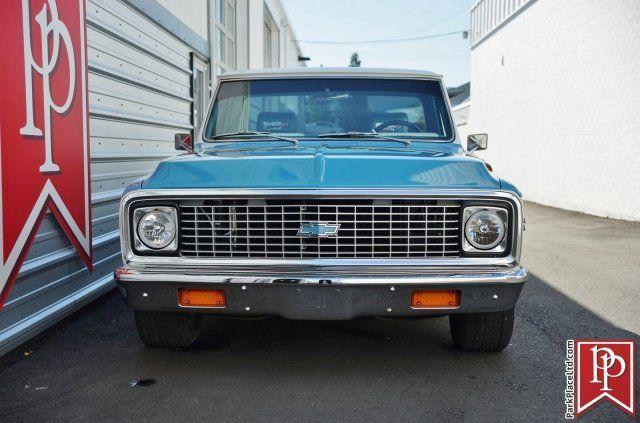 1972 Chevrolet Cheyenne C10 Super Pickup BlueWhite