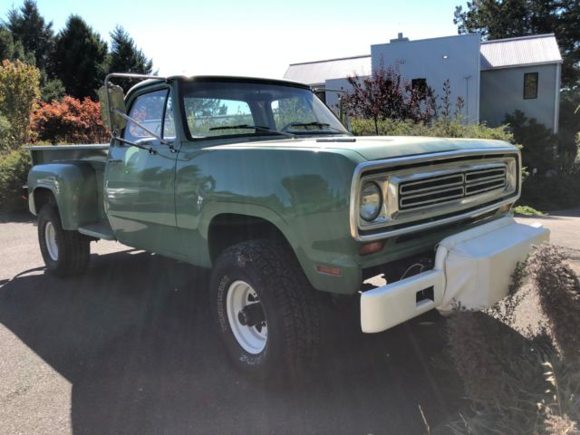 Dodge Power Wagon W Ton Step Side Long Bed on 1972 Dodge W200 Power Wagon