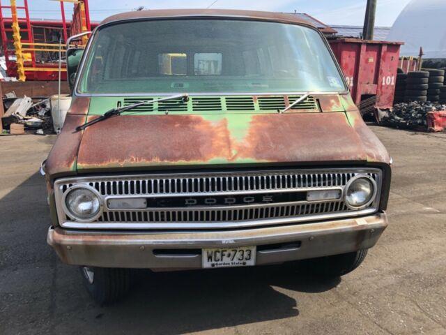 1972 Dodge Tradesman Window Van Mopar B Van 360 V8 for sale: photos