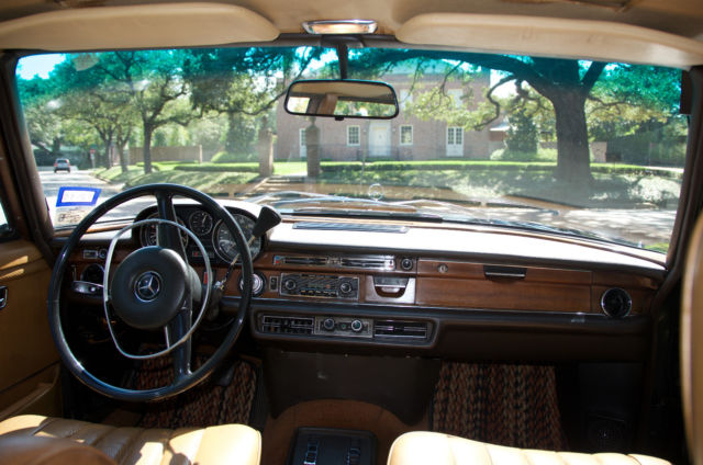 1972 mercedes benz 280sel 4 5 dark olive with cognac interior for sale in houston texas. Black Bedroom Furniture Sets. Home Design Ideas