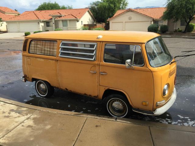 1972 VW Volkswagen Bus - Kombi / Campmobile / Microbus / Camper for