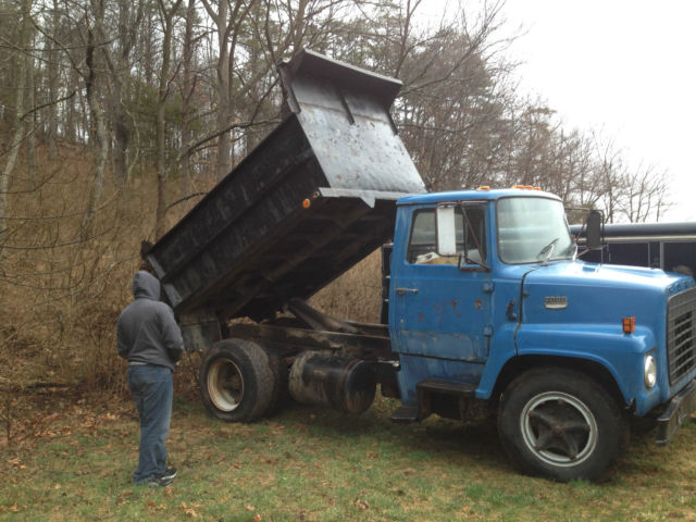 1974 ford ln600 dump truck strong engine and nice working dump cheap for sale in hellertown. Black Bedroom Furniture Sets. Home Design Ideas