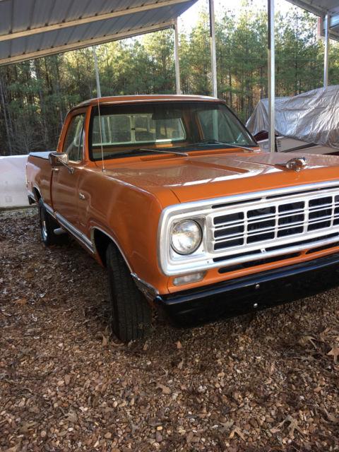 1976 dodge d100 weight