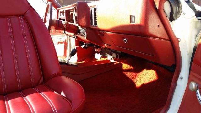 1977 Monte Carlo White Red V8 305 For Sale In Rochester New York United States