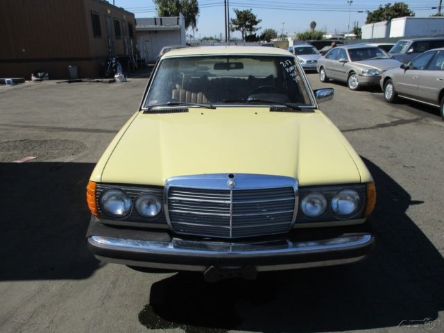 1979 Mercedes Benz 240d 4 Cylinder Manual Diesel No Reserve