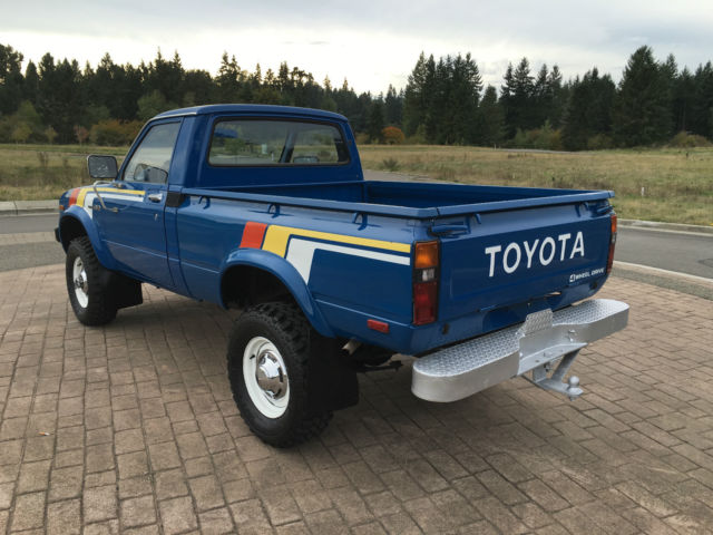 1979 Toyota 4x4 20R PICKUP(solid) front axle SR5 SHORT BED