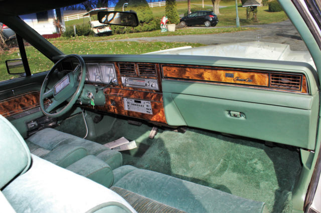 1981 lincoln town car base sedan 2 door for sale in bernville pennsylvania united states. Black Bedroom Furniture Sets. Home Design Ideas
