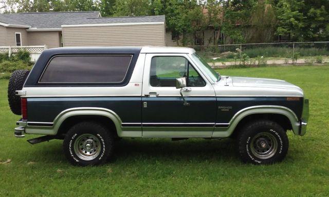 1982 classic ford bronco restored custom 4x4 302 v8. Black Bedroom Furniture Sets. Home Design Ideas