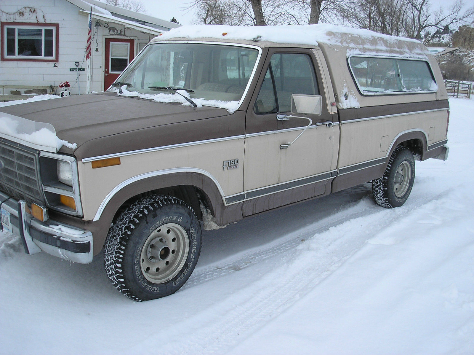 1982 ford f150 xlt lariat pickup truck 2 wheel drive 32000 miles for sale in ryegate montana. Black Bedroom Furniture Sets. Home Design Ideas