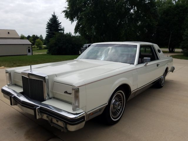 1982 lincoln mark series mark vi continental nice condition for age. Black Bedroom Furniture Sets. Home Design Ideas