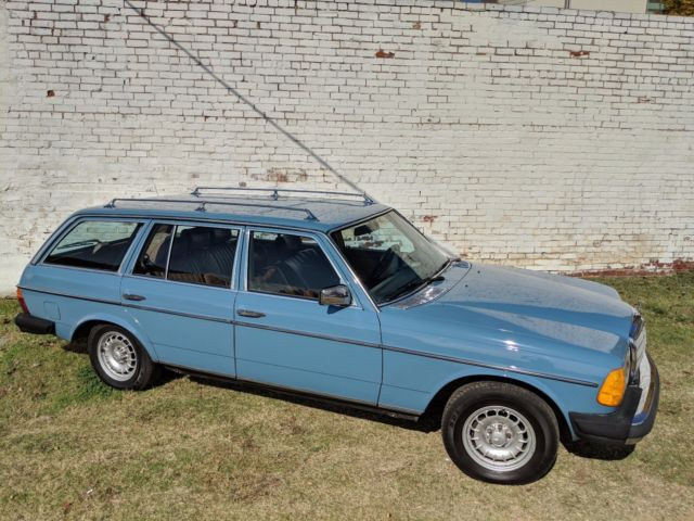 1982 mercedes benz 300td diesel station wagon china blue 3rd row seat. Black Bedroom Furniture Sets. Home Design Ideas