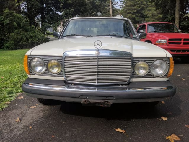 1982 white mercedes benz 300 td wagon turbo diesel 300 series for Mercedes benz 300 td