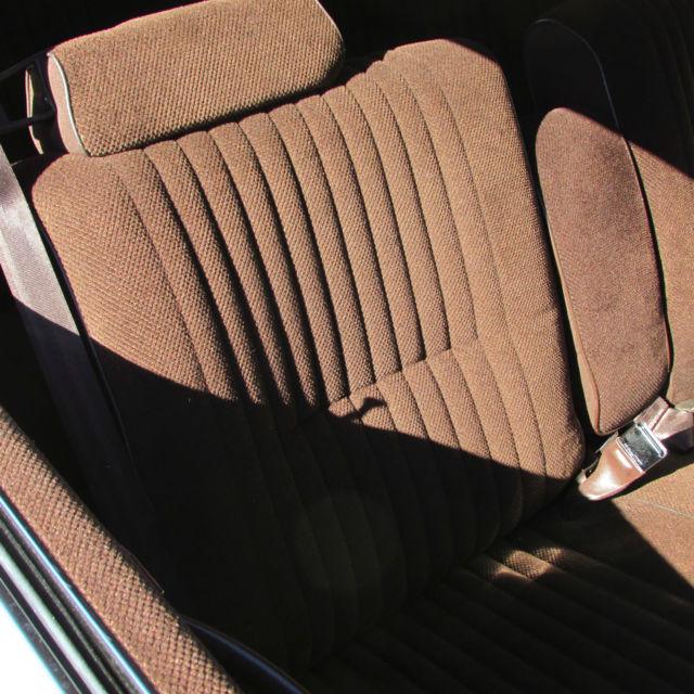 Buick Regal 2 Door Coupe: 1983 Buick Regal Base Coupe 2-Door 3.8L LOW MILEAGE CREAM