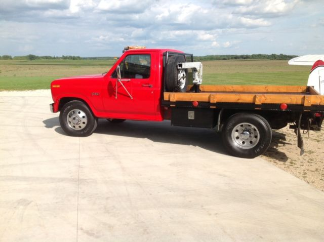 1983 Ford F-350 flatbed dually, diesel, 2 speed axle, one ...