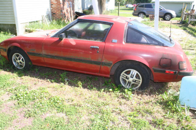 1983 mazda rx7 with spare new condition engine. Black Bedroom Furniture Sets. Home Design Ideas