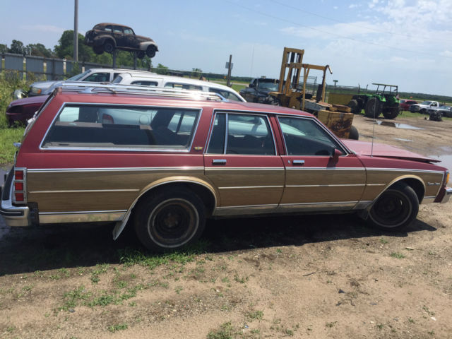 1984 Chevrolet Caprice Estate Wagon Classic Woodgrain 305