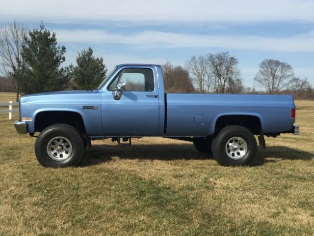 1984 c k gmc 4x4 1 2 ton pick up square body chevy truck silverado c10 k5 sierra. Black Bedroom Furniture Sets. Home Design Ideas
