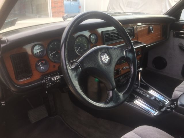 1984 jaguar xj6 restored cloth interior custom. Black Bedroom Furniture Sets. Home Design Ideas