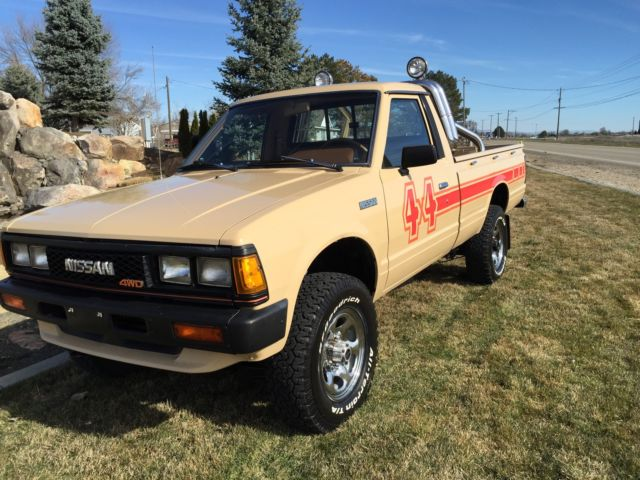 1984 nissan pick up 4x4 for sale in nampa idaho united states. Black Bedroom Furniture Sets. Home Design Ideas