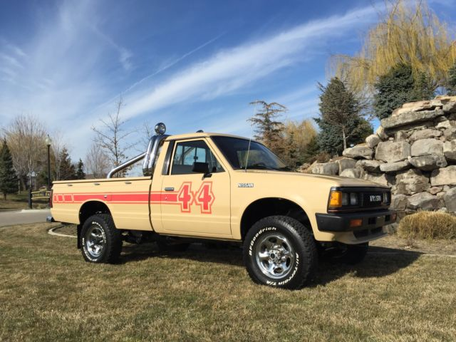 1984 nissan pick up 4x4 for sale in nampa idaho united. Black Bedroom Furniture Sets. Home Design Ideas