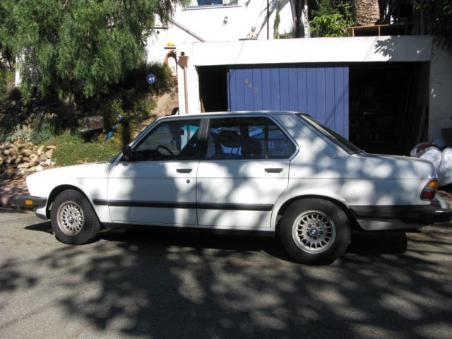1985 bmw 524td at white blue vinyl 275k looks runs excellent well maintained. Black Bedroom Furniture Sets. Home Design Ideas
