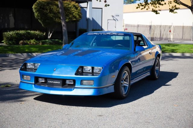 Chevrolet Iroc Camaro Blue Chevy Iroc Z Very Firstbuilt At Norwood on 1991 Camaro Color