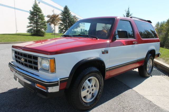 Chevrolet S Blazer Tahoe Edition L V X Manual Door K on 199 Chevy S10