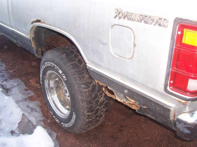 1985 dodge ramcharger prospector 318 4x4 with 4 speed for sale
